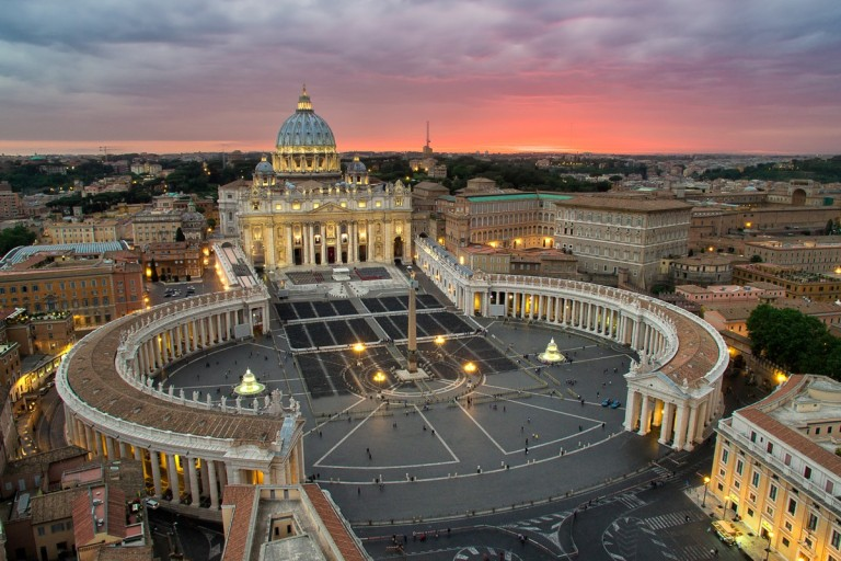 Elia-Locardi-Travel-Photography-P3-Beyond-The-Vatican-Rome-2048-1200x800