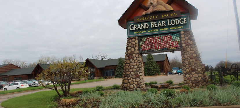 An Amazing Wilderness Getaway At Grizzly Jack's Grand Bear Resort near Starved Rock State Park in Utica,Illinois