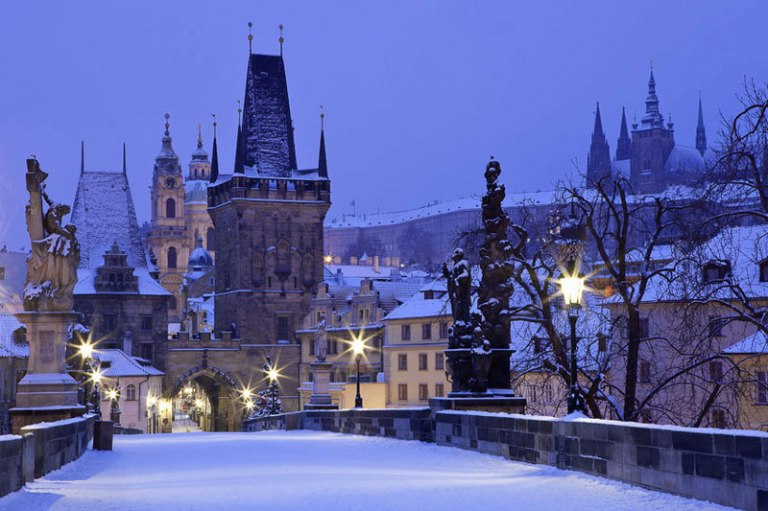 prague-charles-bridge-in-snow.jpg