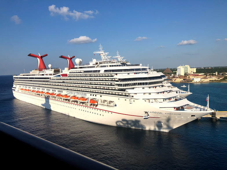 Pros and Cons of a Central American Carnival Christmas Cruise